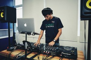 Music school singapore student from dj lesson