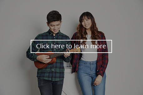 couple-playing-ukulele-hover style